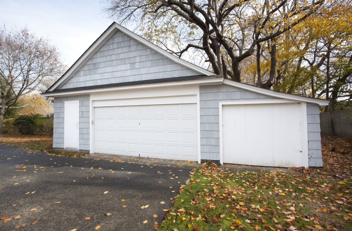 <span>detached garage</span>