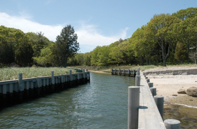 <span>private deep water dock</span>