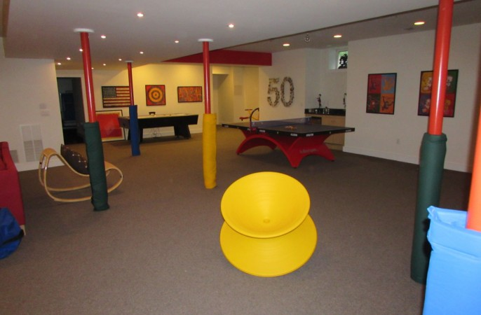 <span>play area</span>