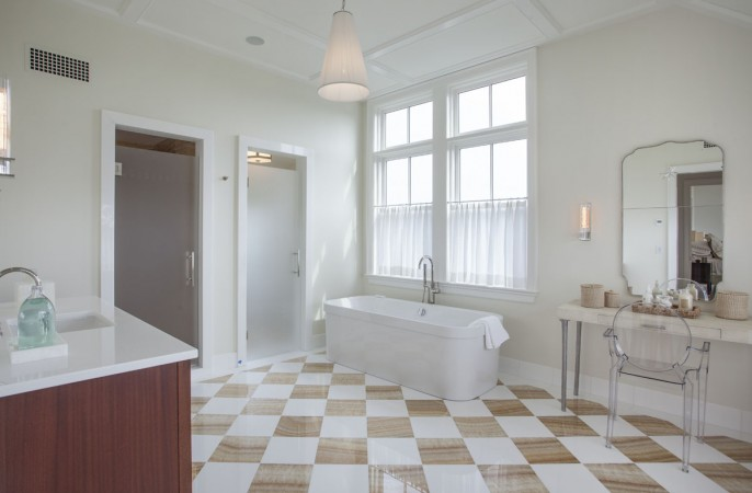 <span>Her Master Bathroom</span>