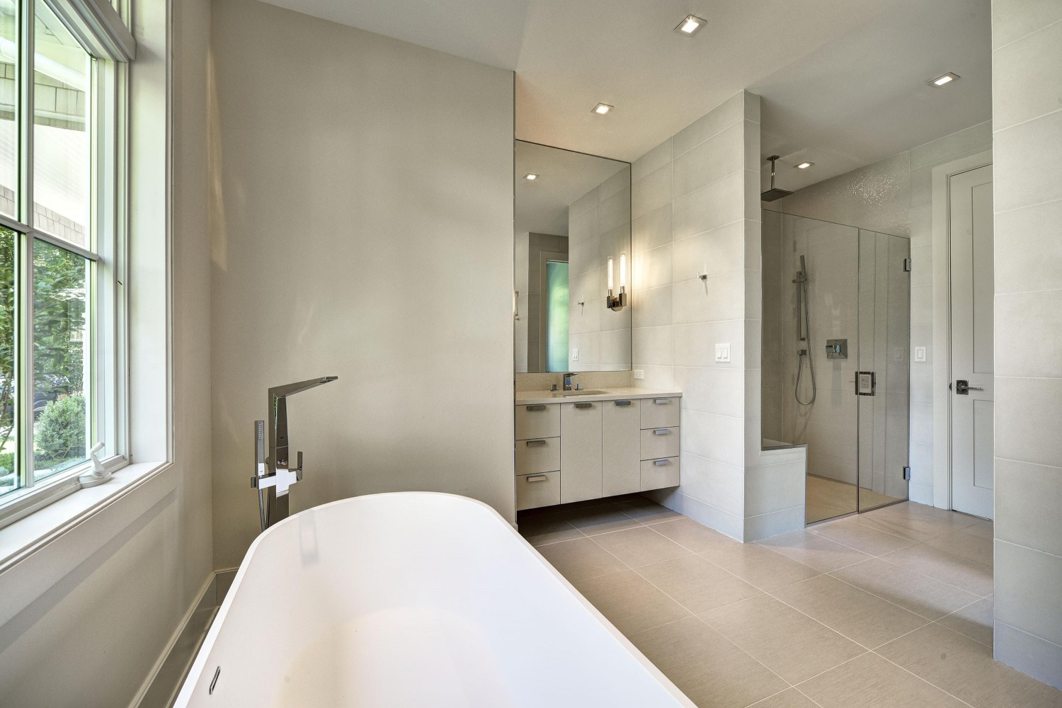 <span>jr master bathroom</span>