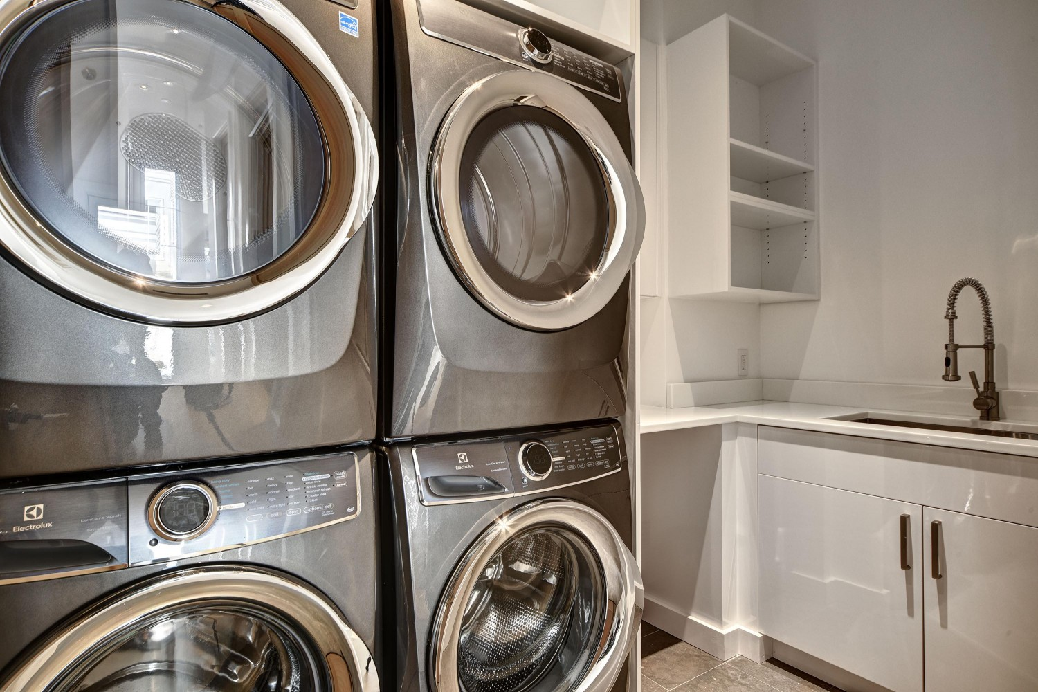 <span>Laundry Room</span>