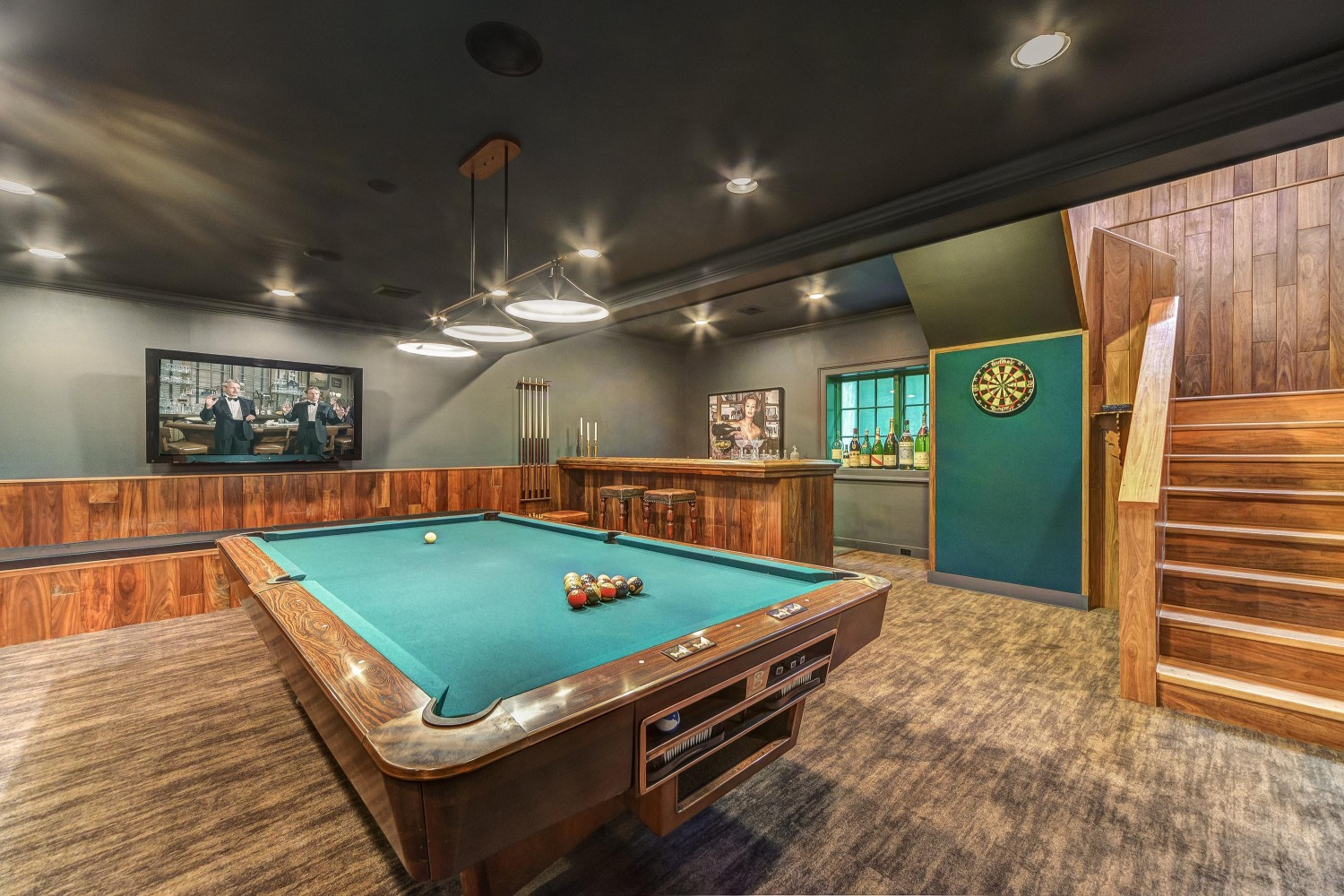 <span>billiards room with bar</span>