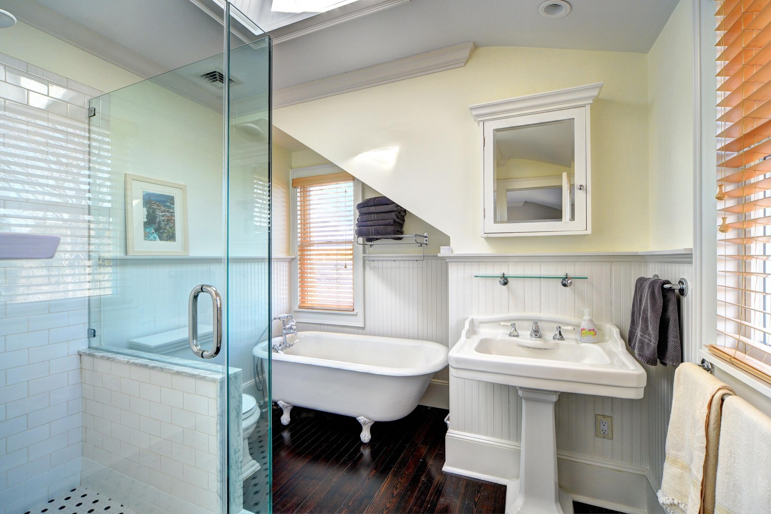 <span>Master Bathroom</span>