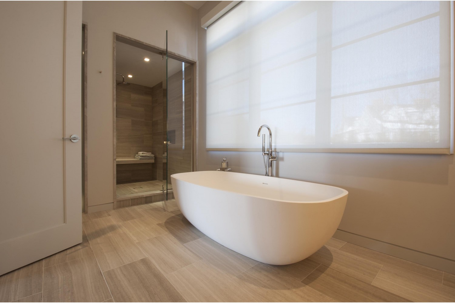 <span>1st floor master bathroom</span><span  class='incontracts'>IN CONTRACT </span>