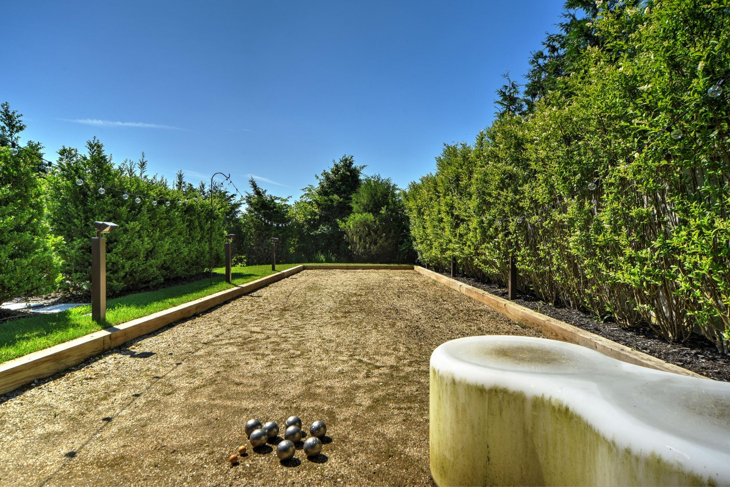 <span>bocce court</span><span  class='incontracts'>IN CONTRACT </span>