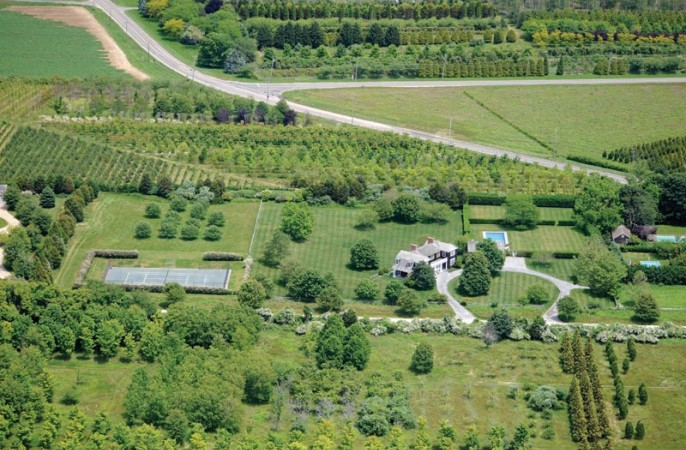 <span>over 5 acres in Bridgehampton horse country</span>