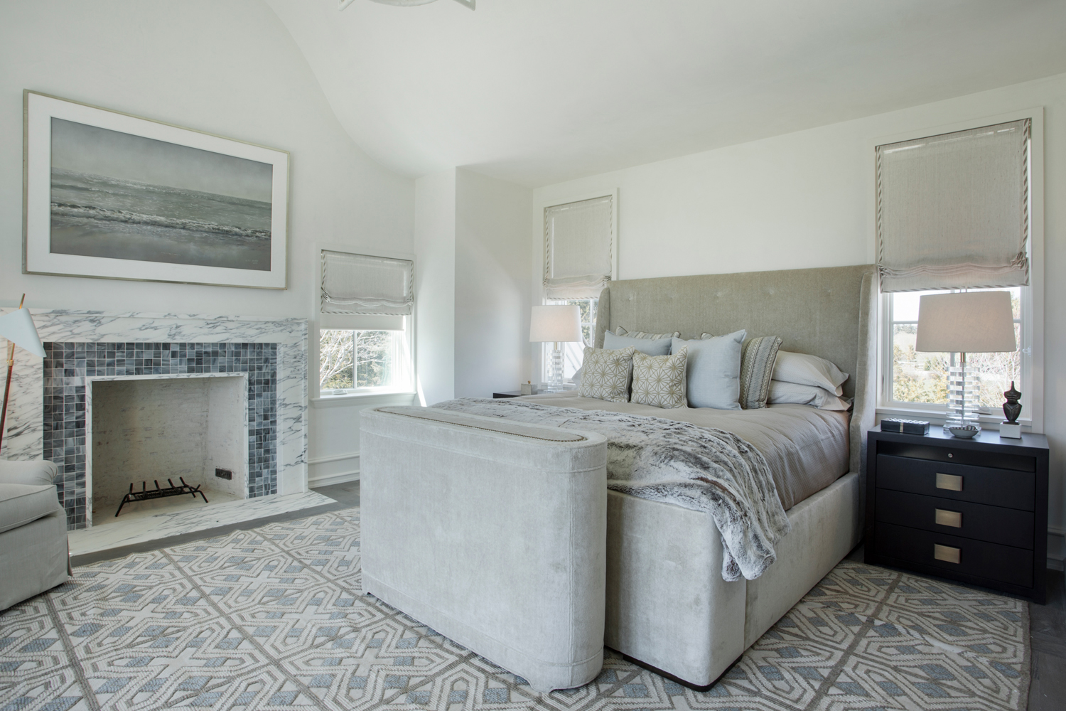<span>master bedroom with fireplace</span><span  class='incontracts'>IN CONTRACT </span>