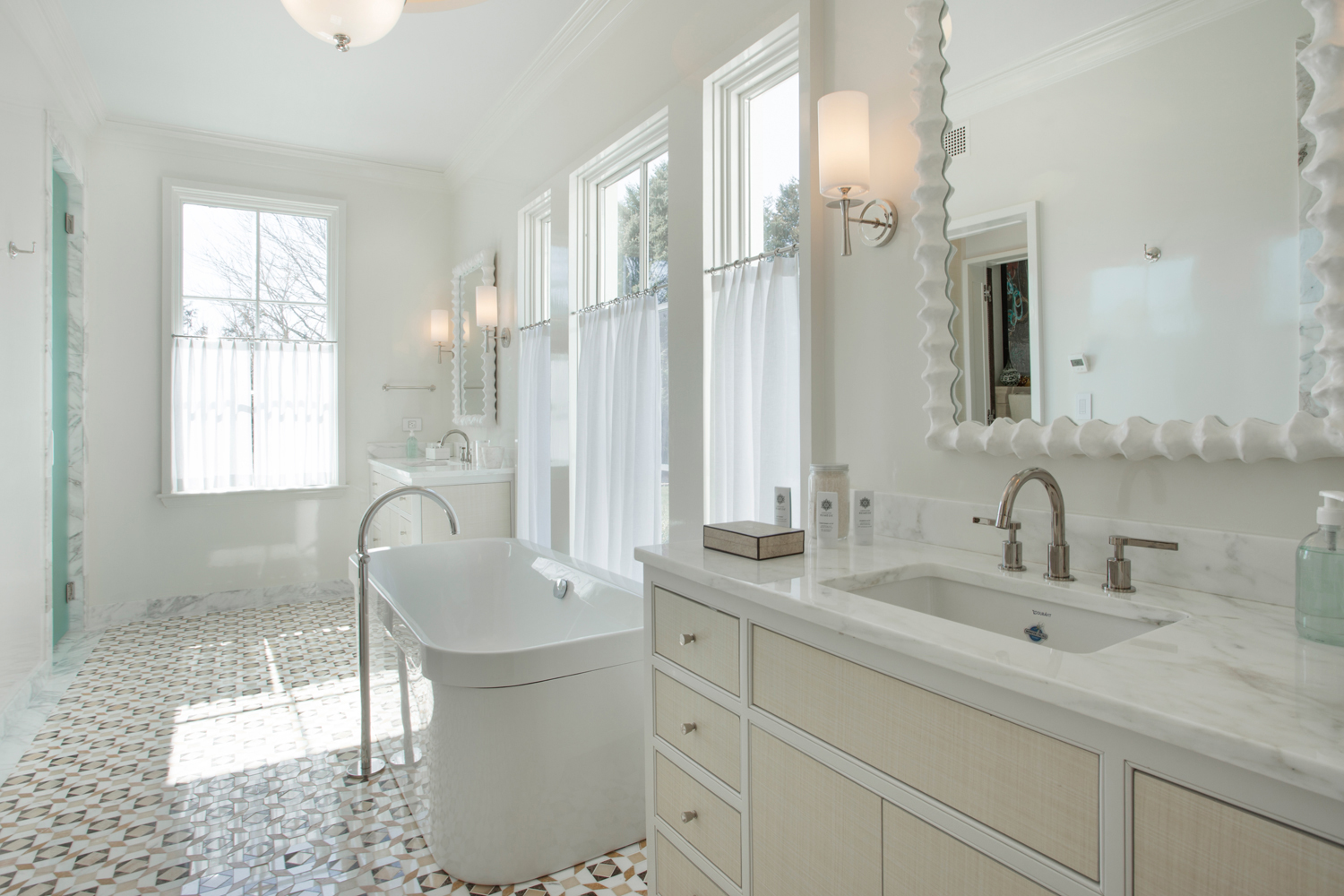 <span>1st floor guest master bathroom</span><span  class='incontracts'>IN CONTRACT </span>